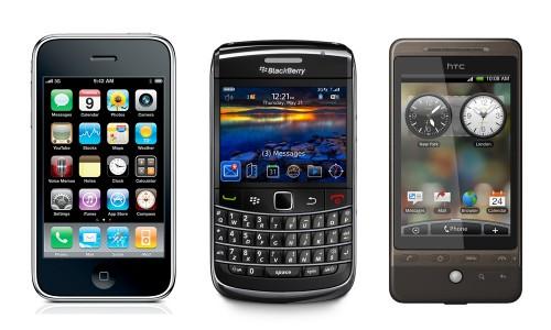 Autoservicio en el aeropuerto con el smartphone